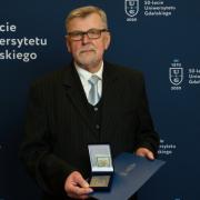 Prof. dr hab. Jan Iluk